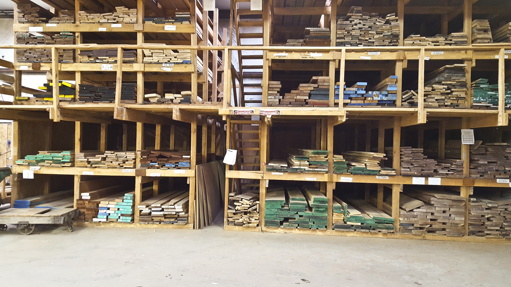 Buy figured wood, exotic lumber, book-matched boards, table top slabs, burls. rough sawn lumber, guitar sets and more at Hearne Hardwood Inc.